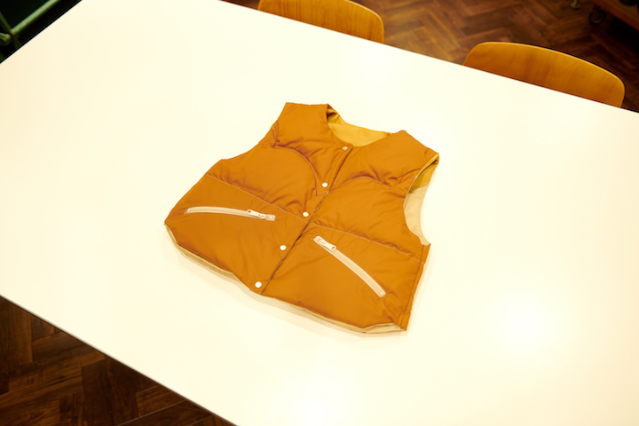 ""\""""Rocky Mountain Featherbed × TheThreeRobbers PROCESS DOWN VEST WOMAN 2021 - ORDER""""ってこんなこと。_c0140560_15293232.jpg""720|480|?|en|2|60ffb77bc9467b3c6f32245ab7bd2dbc|False|UNLIKELY|0.2816876769065857