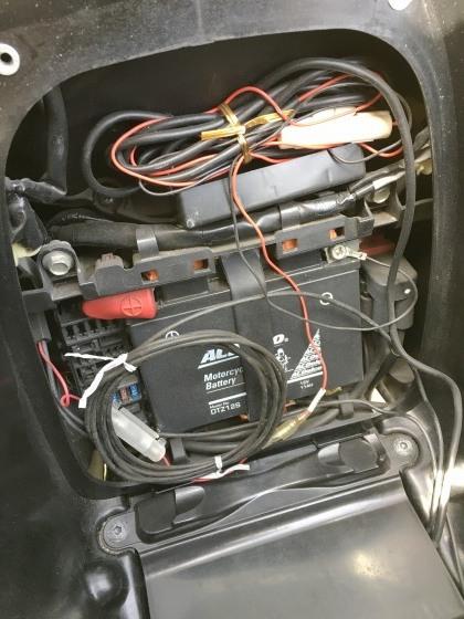 NC700Sのバッテリーを交換_e0045768_22043772.jpg