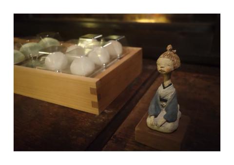 明日より経塚真代さん展示会、しゅうさんの和菓子販売がはじまります。_d0268070_21142424.jpg