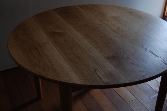 テーブル_c0077600_14035396.jpg