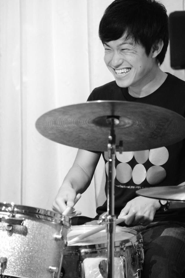 広島 ジャズ Jazzlive Comin 本日4月12日のジャズライブ_b0115606_11511890.jpeg