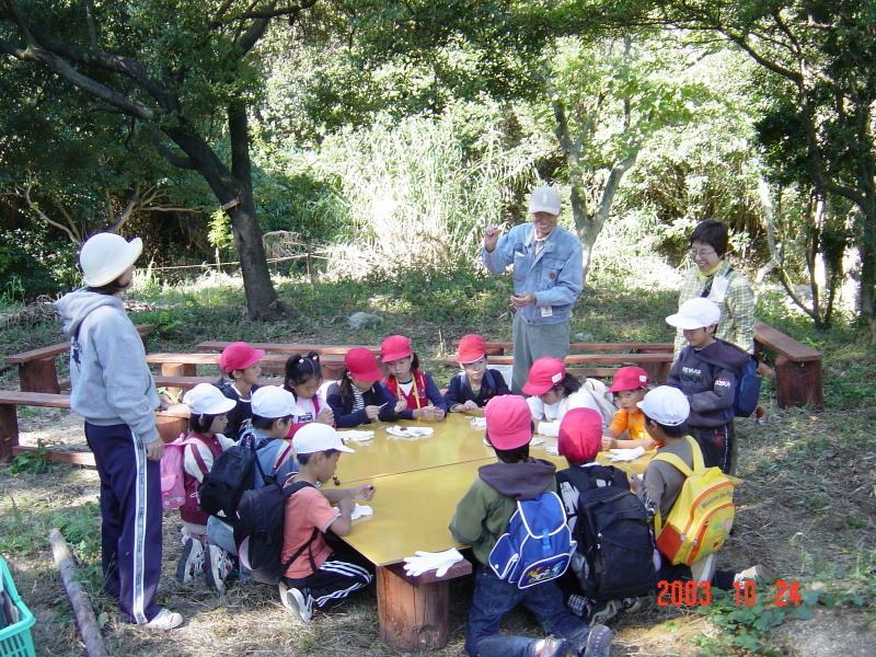 うみべの森の歴史⑯「2003年10月の活動」_c0108460_12074982.jpg