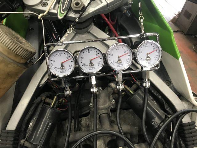 GPZ400R マフラー交換と外装交換とキャブレター交換_a0164918_16333955.jpg
