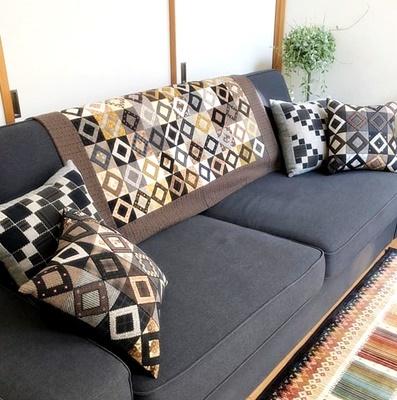 生徒さんの作品をご紹介~シャビーな家具にキルトを配して~_b0194861_10211192.jpg