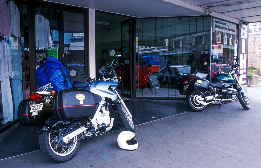 ニュージーランドをバイクで旅する・・・(2)_e0110874_22090226.jpg