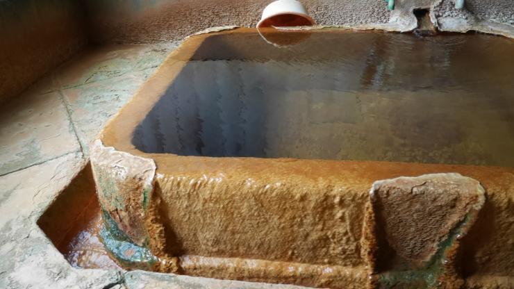 三瓶高原の片隅に沸く濃厚な炭酸の湯-小屋原温泉・熊谷旅館_a0385880_19512550.jpg