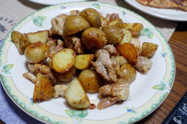 ある日のうちごはん(鶏肉と新じゃがの炒め物)_b0287241_19203837.jpg