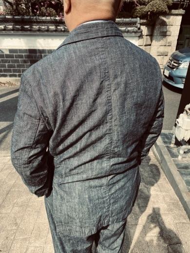 インディゴダンガリーのスーツを着た男?_a0154045_17124241.jpeg