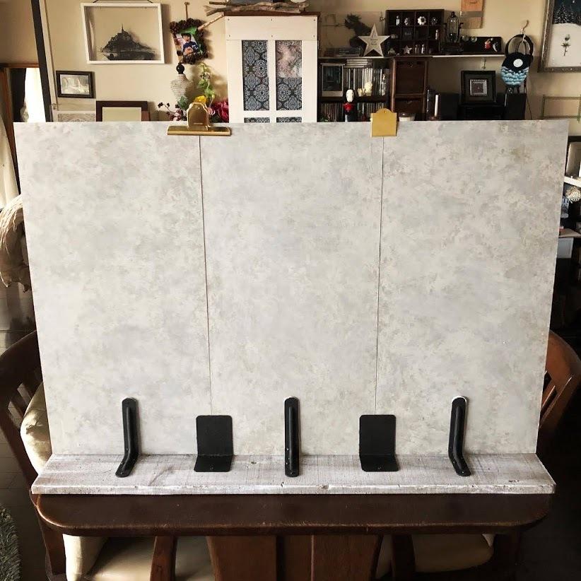 石膏像のジュリアーノメヂチくんと漆喰風の白い壁。_f0089355_00562030.jpg