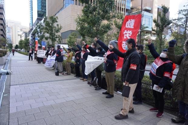 3月3日昼、JR西日本本社前行動を闘った_d0155415_16051545.jpg