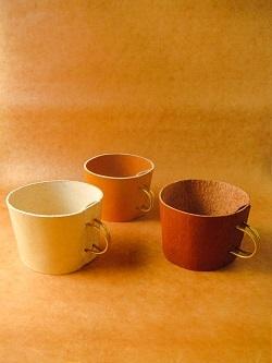 K3FACTORYさんのnewカップホルダーと大人気の革の小皿とブックカバーが入荷しました!!!_b0225561_15463600.jpg