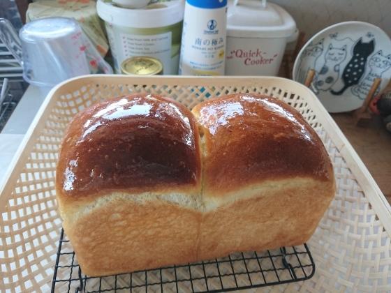 明日のパン_c0009287_11301470.jpg