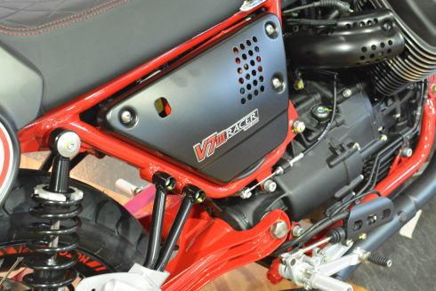 最後の750ccエンジンV7Ⅲレーサー、これで打ち止め最終入荷です_d0100125_18103580.jpg