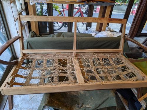 ソファと椅子の修理_b0141474_15523817.jpg
