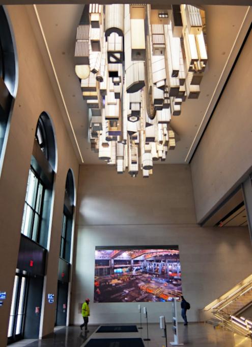 いかにもニューヨークらしい摩天楼の高層ビル群アート by Elmgreen & Dragset_b0007805_05551375.jpg