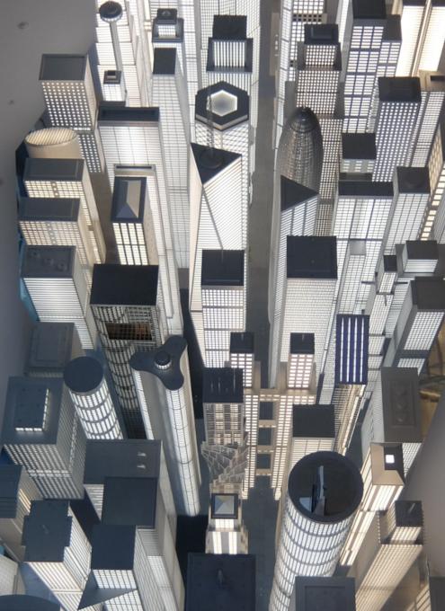 いかにもニューヨークらしい摩天楼の高層ビル群アート by Elmgreen & Dragset_b0007805_05555281.jpg