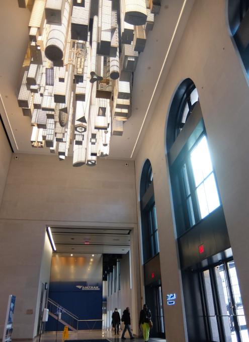 いかにもニューヨークらしい摩天楼の高層ビル群アート by Elmgreen & Dragset_b0007805_05563425.jpg