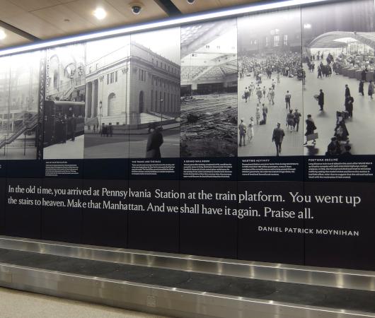 """モイニハン・トレイン・ホールの歴史的なタイムライン壁画、""""Historic Timeline Mural""""_b0007805_07091824.jpg"""