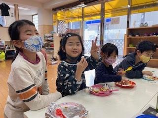 【zippykids荒川】3月10日 Snack Cooking「餃子ピザ作りに挑戦!」_f0225094_16195905.jpg