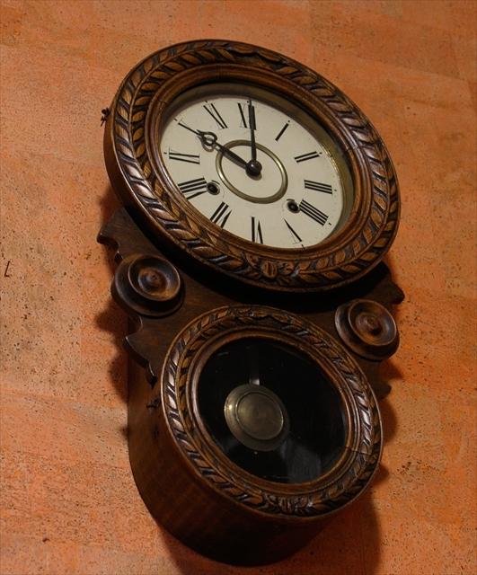 アンティークな柱時計、動画でご紹介。_d0047461_04421483.jpg