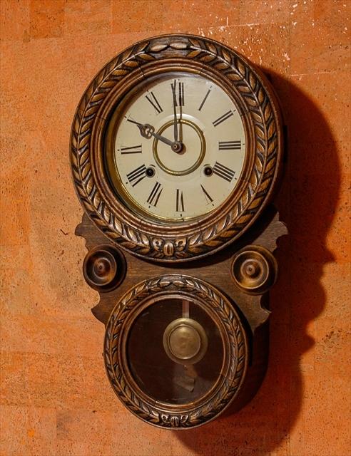 アンティークな柱時計、動画でご紹介。_d0047461_04421600.jpg