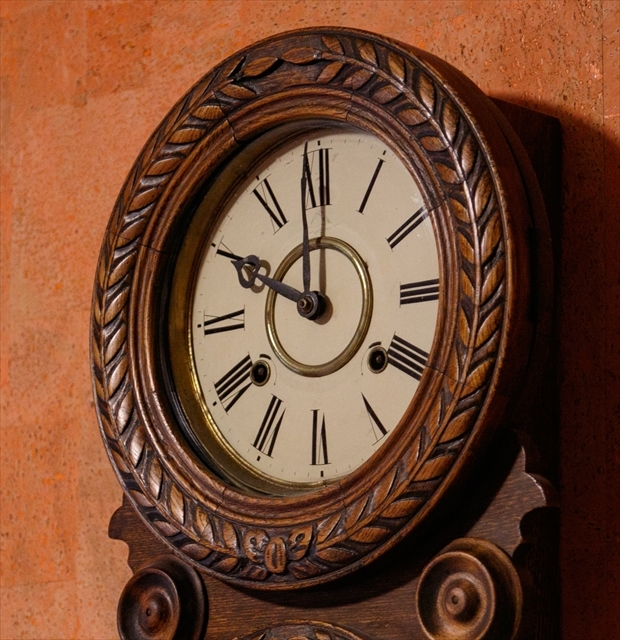 アンティークな柱時計、動画でご紹介。_d0047461_04421650.jpg