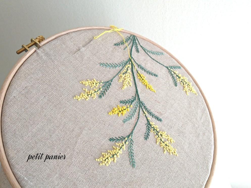 ミモザの刺繍_e0124493_16332696.jpg