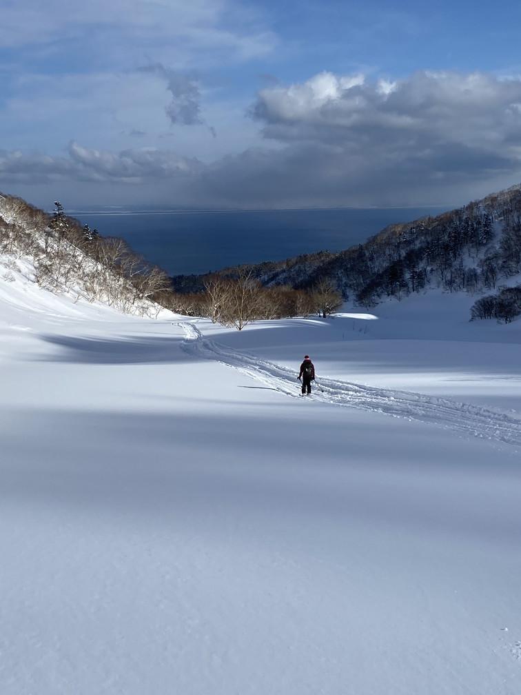 """2021年2月 『利尻山バックカントリースキー』 February 2021 \""""Ski in Island, Mount Rishiri\""""_c0219616_21064061.jpg"""