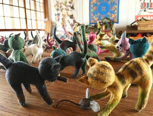 ねこ、猫、ネコだらけ! 〜春の展覧会『Yoko-Bon\'s World ! 絵本と猫と人形たちと』より〜_d0077603_11285687.jpg