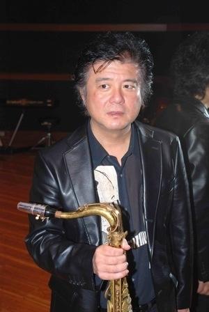 ジャズライブカミン  Jazzlive Comin 広島 本日3月19日金曜日のライブ_b0115606_09463677.jpeg