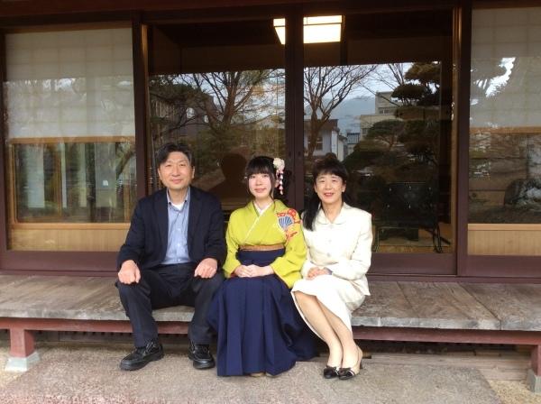 御近所某氏の娘さん、大学卒業式の前撮りです。_f0289632_17321055.jpg