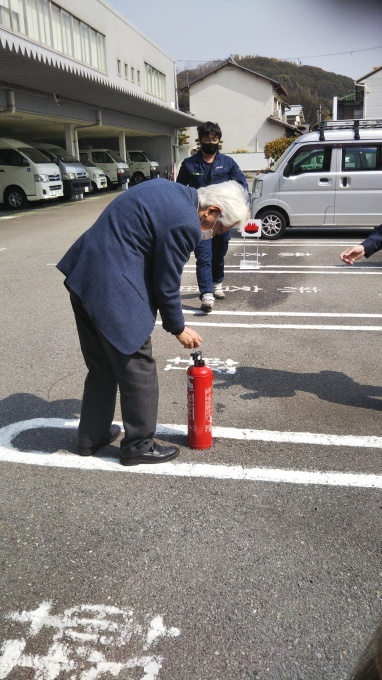 消防訓練_e0317561_10310104.jpg