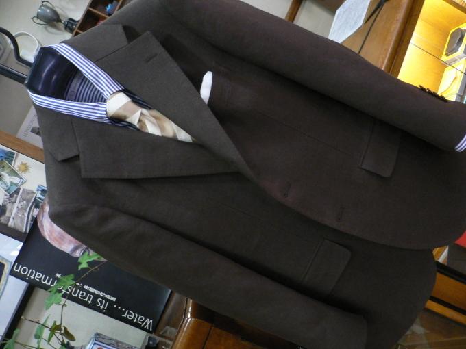 人生を楽しむひと味に  アイリッシュリネン スーツ 「クローゼットに一着は欲しい」_d0060944_11034049.jpg