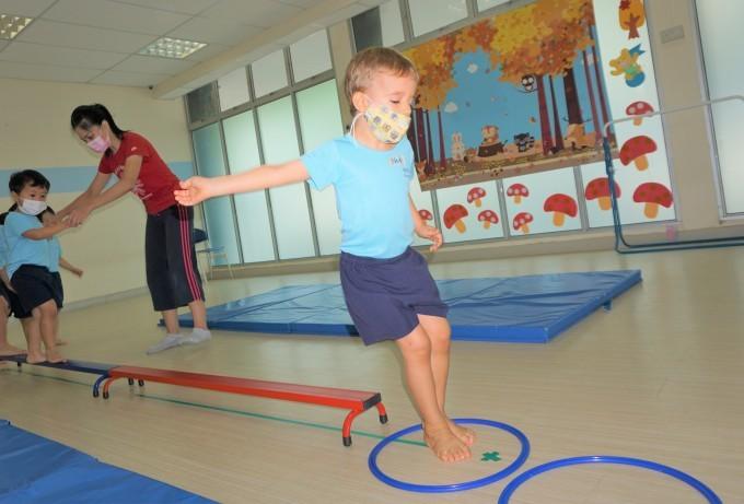 いろは幼稚園の園舎内のご案内_a0318155_00311405.jpg