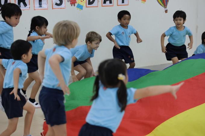 いろは幼稚園の園舎内のご案内_a0318155_00321157.jpg