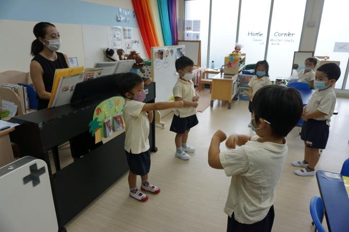 いろは幼稚園の園舎内のご案内_a0318155_00453827.jpg