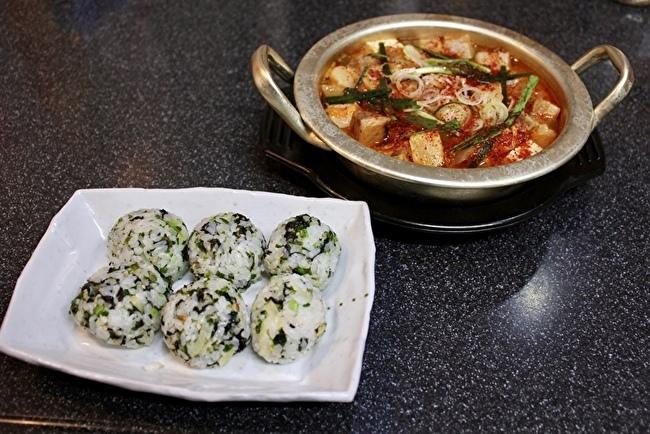 日本のお味噌と納豆で、チョングッチャンと麦ごはん定食_a0223786_15500566.jpg