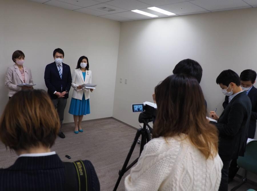 厚生委員会が空転_f0059673_21500187.jpg