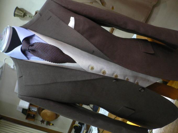 好きですアイリッシュリネン  スーツを楽しむ_d0060944_13085560.jpg
