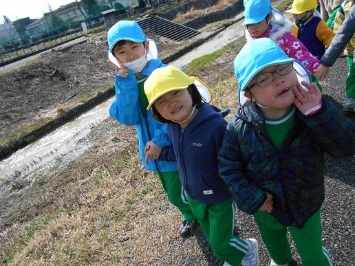 すみれ組・ゆり組 最後のお散歩…_c0212598_17075044.jpg
