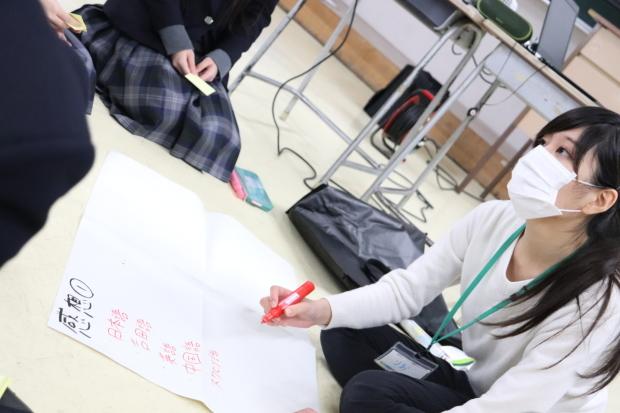 新潟県立燕中等教育学校においてワークショップを行いました_c0167632_18020553.jpg