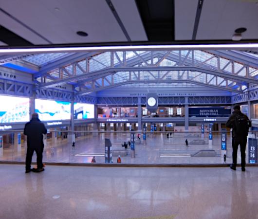 モイニハン・トレイン・ホール最大の見所、『全面的にガラス張りの天井』と『巨大な吹き抜け空間』_b0007805_05323716.jpg