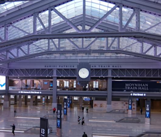 モイニハン・トレイン・ホール最大の見所、『全面的にガラス張りの天井』と『巨大な吹き抜け空間』_b0007805_06055124.jpg