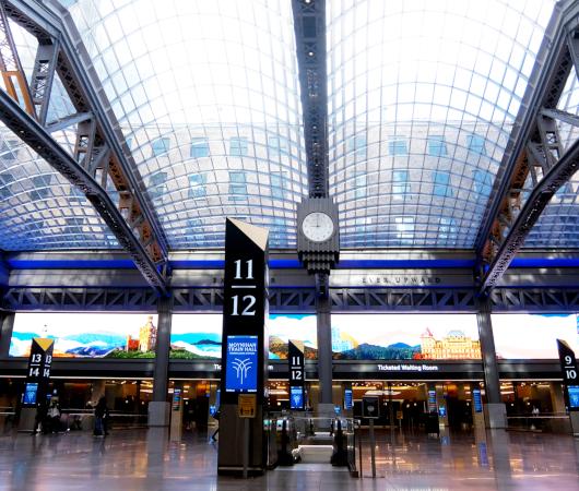 モイニハン・トレイン・ホール最大の見所、『全面的にガラス張りの天井』と『巨大な吹き抜け空間』_b0007805_06190928.jpg