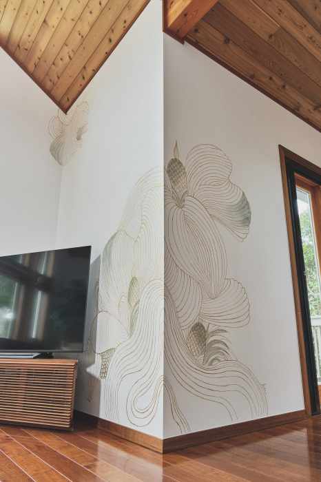 リゾートの風が感じられるように(壁画完成)_c0114110_10301531.jpg