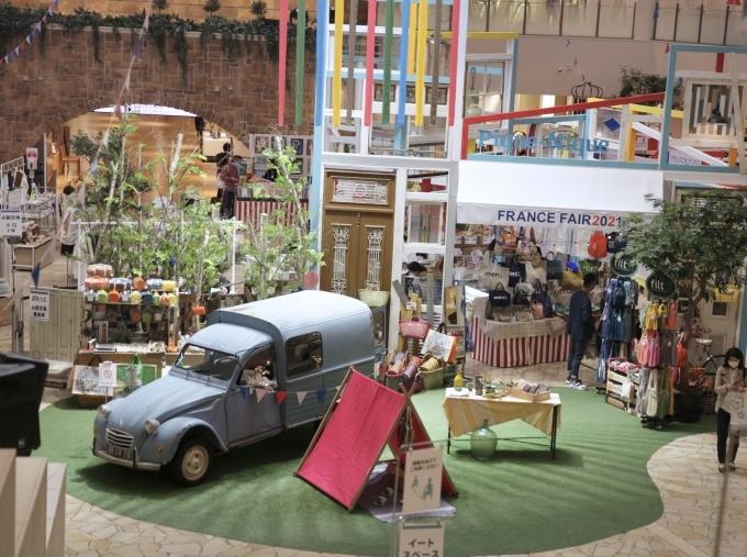 阪急うめだ本店 フランスフェア 同時開催10Fスーク 「白いフランス蚤の市」が終了しました。_b0179814_07270571.jpeg