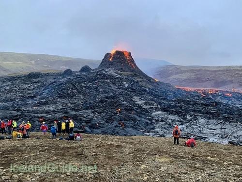 FNNプライムオンラインで取り上げられた私の火山噴火レポート、インタビューあり!_c0003620_04142790.jpeg