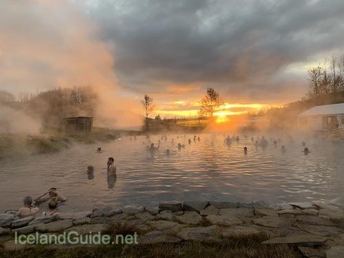4月13日開催、オンラインでアイスランドの秘境温泉、素敵な温泉施設をご案内!_c0003620_04330186.jpeg