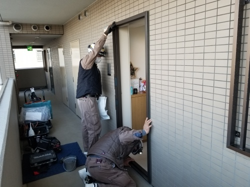 中区・FYビル 玄関ドア交換工事_d0125228_03295001.jpg