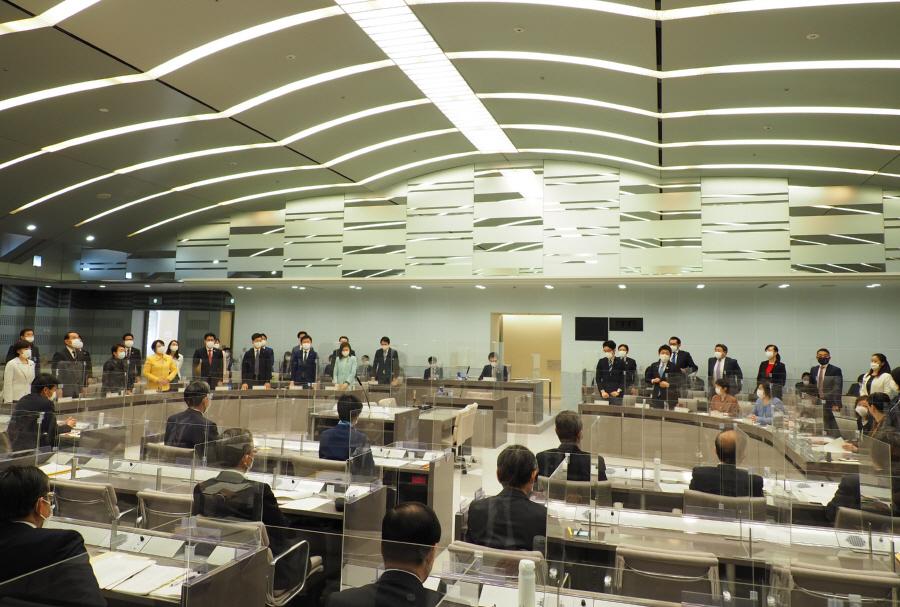 予算特別委員会終了_f0059673_17592625.jpg